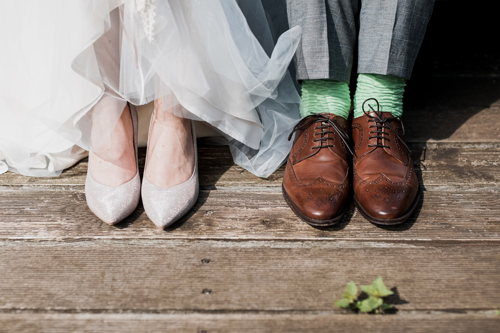 4 Easy Ways to Know What to Wear to a Wedding With No Dress Code Mentioned